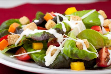 creamy garlic salad dressing with MSG
