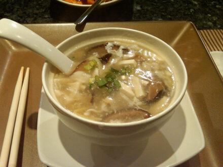 Bean curd and mushroom soup